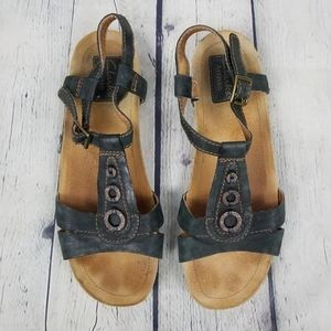 CLARKS | Artisan strappy open toe leather sandals